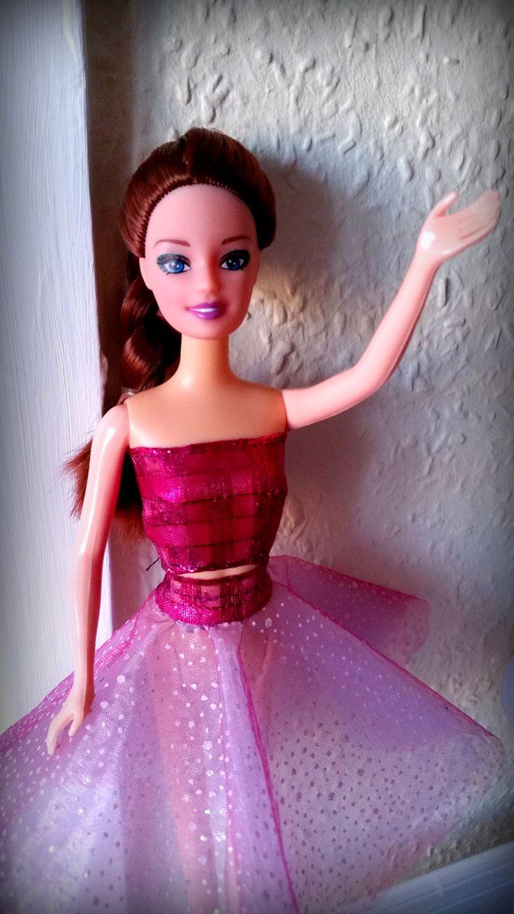 Completo Barbie da sera in tonalità di rosa chiaro e scuro. Tulle a quadretti e pois. Fatto a mano di DrittoRovescio su Etsy