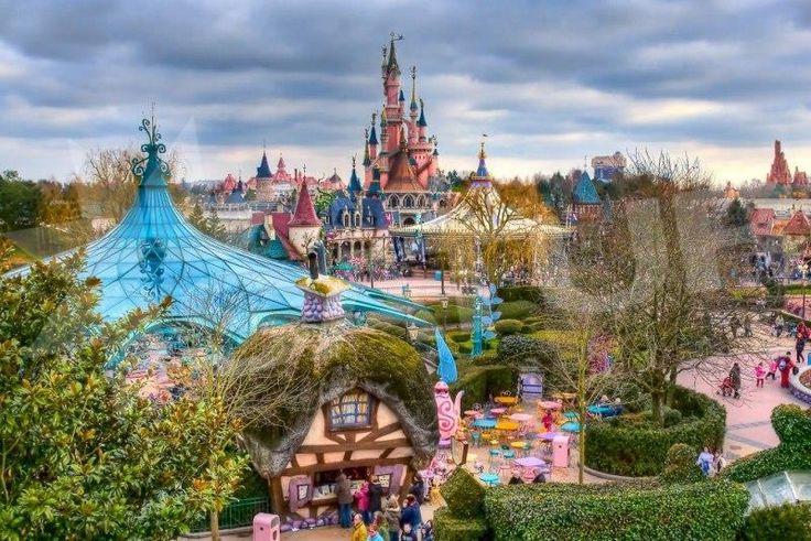 DISNEYLAND - SEN NIELEN PRE NAJMENŠÍCH | FRANCÚZSKO | Poznávanie - tradičné | Francúzsko | SATUR - dovolenka, last minute 2014, zajazdy a akciová ponuka