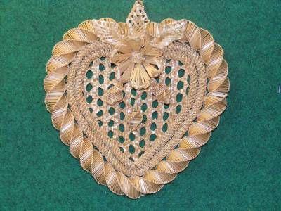 Természetes Ajándékok - Ajándékok szalmából - Szív alakú falidísz