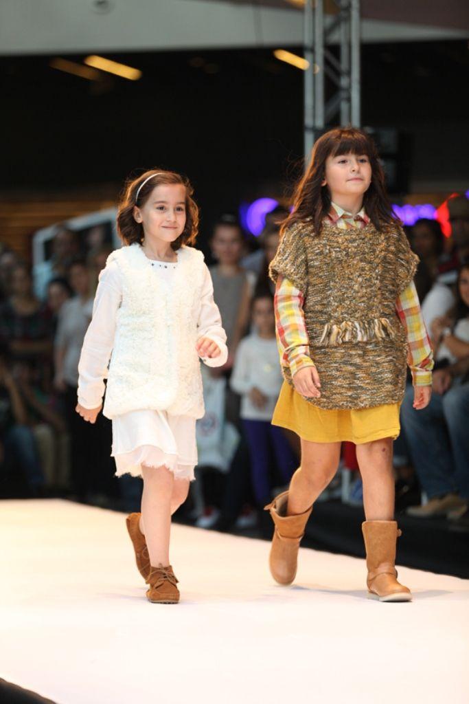 Marmara Forum Fashion Week'in son gününde birbirinden güzel ve yetenekli çocukların yürüdüğü defileyle çocuk modasını da etkinliğe dahil etti.