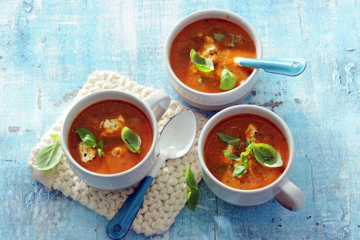 Kijk wat een lekker recept ik heb gevonden op Allerhande! Tomaten-paprikasoep met balletjes