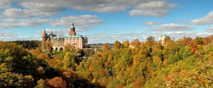 The Książ Castle in autumn scenery - it's magnificent, isn't it? fot. Kamil Cieliński #beautifulpicture #castle
