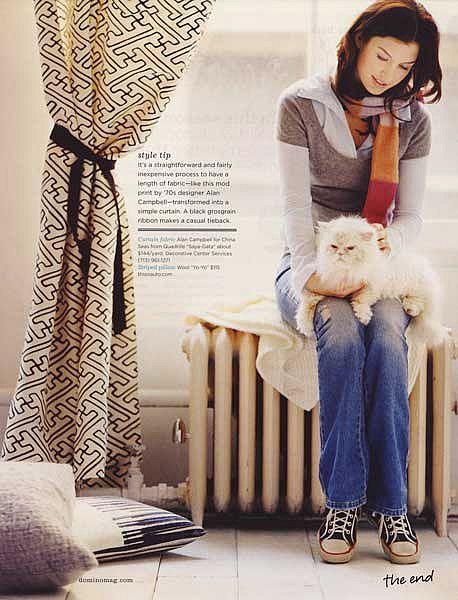just like my ponpon:): Black And White, Fluffy White, White Cats, Saya Gata, Cats Love, Gata Fabrics, Homes Interiors, Domino Magazines, Interiors Magazines