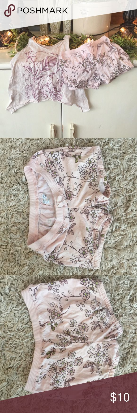 Girls gap and old navy summer outfit Old navy tank top size 5 and gap shorts size 4 but fits a 5 they are wide on the waist... gap and old navy Matching Sets
