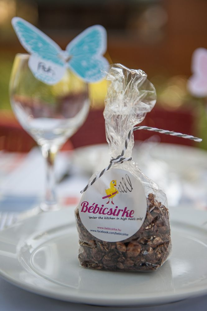 we made chocolate-hazelnut granola, packed in Bébicsirke packs for all the guests