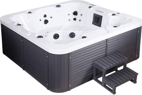 25 best ideas about jacuzzi outdoor on pinterest for Jacuzzi exterior 4 personas