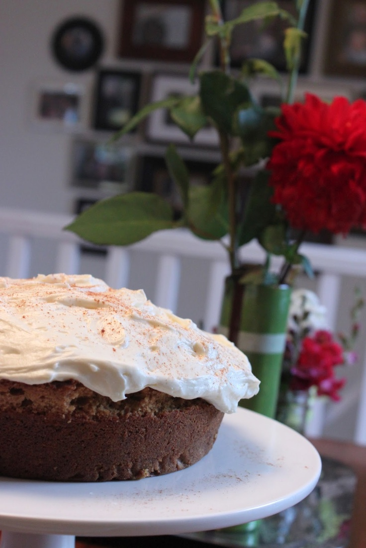 gingerbread cake with cream cheese icing