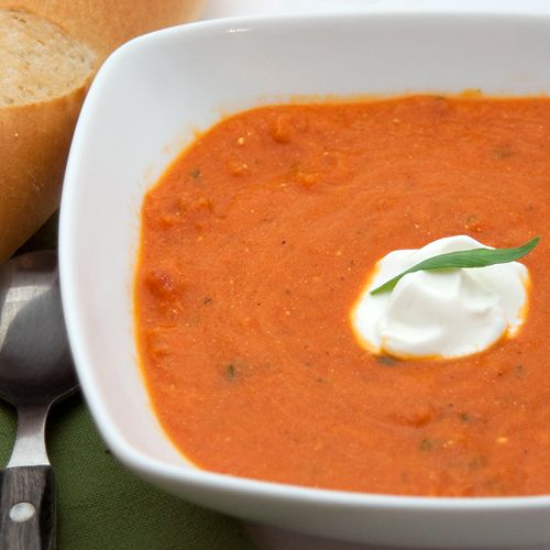 A richly flavored tomato tarragon soup with a sour cream garnish. From @NevrEnoughThyme http://www.lanascooking.com/tomato-tarragon-soup