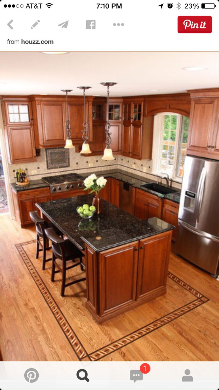 I like the layout of this kitchen for small space