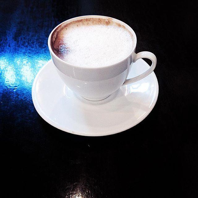 ...z mlekiem. #kawa #czasnakawę #coffee #coffeetime #kawiarnia #café #dzieńdobry #goodmorning #pisanie #piszę #writing #iwrite #rano #ranek #poranek #morning