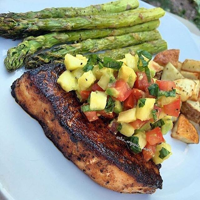 Blackened Maple-Chili Glazed Swordfish Steaks By: @the_organic_heart . Made with an avocado-pineapple salsa served with roasted potatoes and…