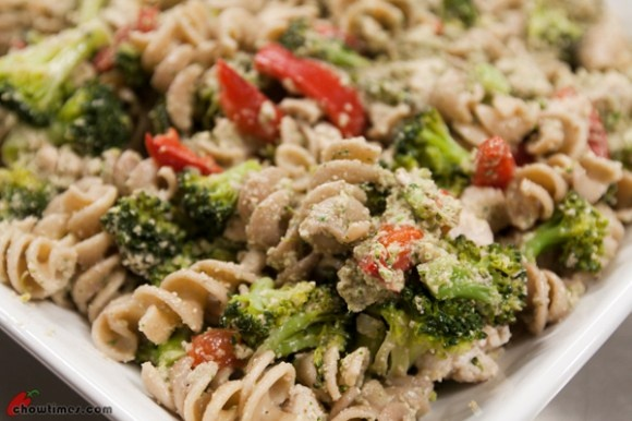Chicken and Whole Wheat Pasta with Creamy Walnut Sauce. Can you ...