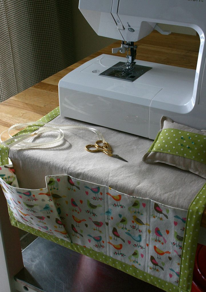 https://flic.kr/p/jT24Lu | IMG_4060 | Sewing caddy for my secret valentine...sewing machine not included!