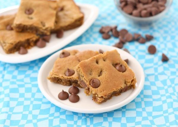 Peanut Butter Chocolate Chip Blondies | Recipe