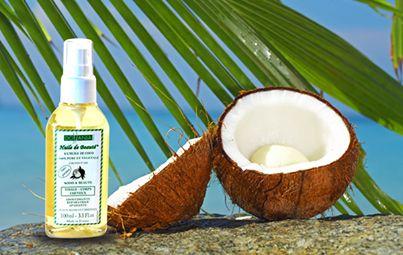Ulei de nucă de cocos Vegetal, 100% pur Uleiul de nucă de cocos este mai eficient decât orice produs cosmetic hidratant, pentru că acestea conţin o cantitate mare de apă, care, odată evaporată, nu mai hidratează pielea. Studiile arată că femeile absorb în jur de 1-2 kg de chimicale pe an, din cauza produselor cosmetice folosite. În schimb, uleiul de nucă de cocos oferă o hidratare profundă şi reală. Ajută la consolidarea ţesuturilor şi la eliminarea celulelor moarte de pe suprafaţa pielii.