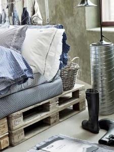 Βάση κρεβατιού από ξύλινες παλέτες | Small Things