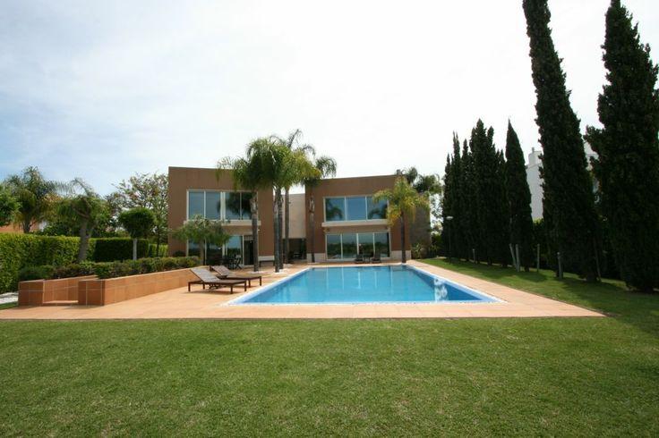 PRIVATE VILLA  M - VILAMOURA. by Algarve Wedding Planners | My Portugal Wedding | Portugal Luxury Weddings info@algarveweddingplanners.com | info@myportugalwedding.com