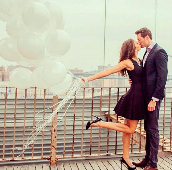 5 Ideas de utilería para la sesión de fotos casual: Globos | El Blog de una Novia | #compromiso #fotos #novios