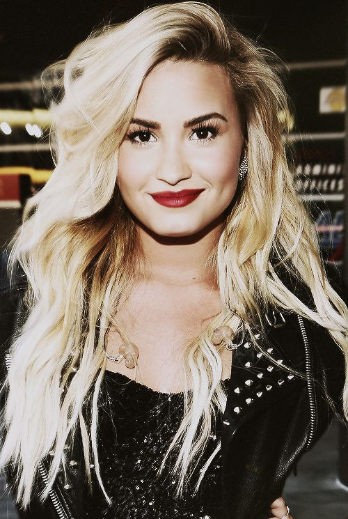 Demi Lovato: She is so beautiful, and can rock any hair color