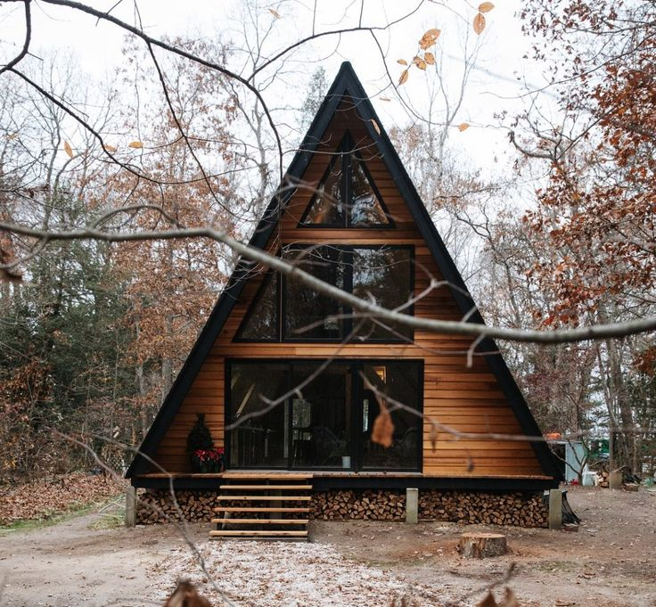 Lokal Hotel - A-frame cabin in the woods