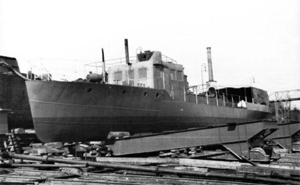 Škoda, Pancéřová minonoska OMm 35. K pohonu byly použity dva dieselové motory značky Sulzer, s dvanácti válci do V, o výkonu po 450 koních, s napojenými vratnými skříněmi.