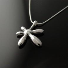 Leaflower big pendant, Chao & Eero