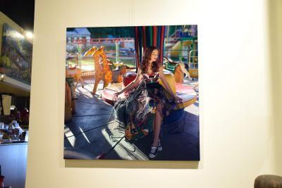 Margarita Kareva is a photographer represented by the Shayne Gallery. Margarita Kareva est une photographe représentée par la Galerie Shayne .