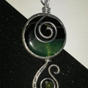 Wire handmade pendant with Agate. CHF 69.-
