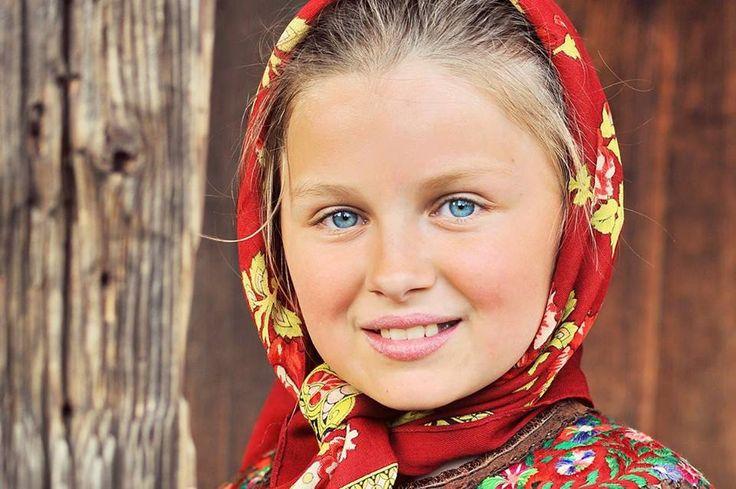 Portret de fată din Maramureş @Mihai Andrei Photography