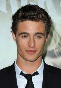 Max Irons - Play Edward