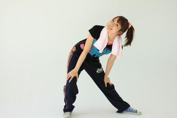 腰痛に効果的な壁押し体操!