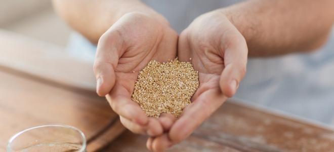 """Vous avez du mal à digérer ? Des difficultés à maigrir ? Trop de mauvais cholestérol ? Mettez-vous au quinoa ! Surnommée par les Incas """"mère de toutes les graines"""", cette pseudo-céréale est un aliment santé de premier choix."""