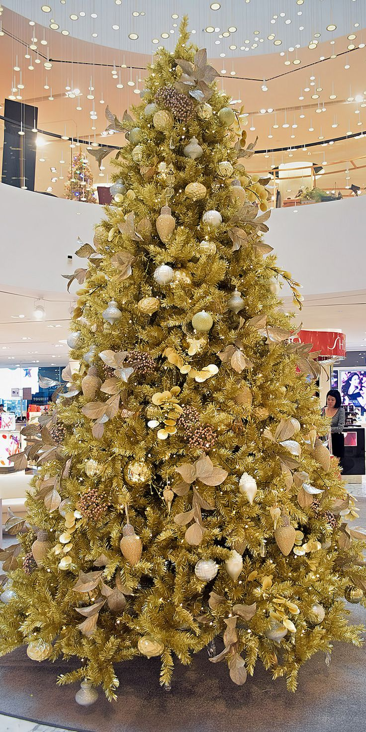 "This decorative Christmas tree can be seen in the atrium of Robinson Heeren on Orchard Road. Read more about where to buy Christmas tree in Singapore by clicking on ""Visit Site"" button on top."