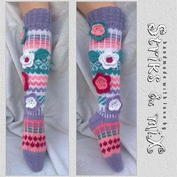 Stricken Socken mit Blume Kukkasukkia Kniestrümpfe Socken