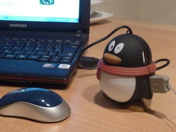 Un pingüino con 4 puertos USB....Gracias Pascu!!! — con Daviz PZanch.