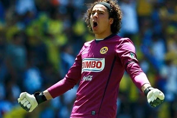 Memo Ochoa Goalie for Mexico