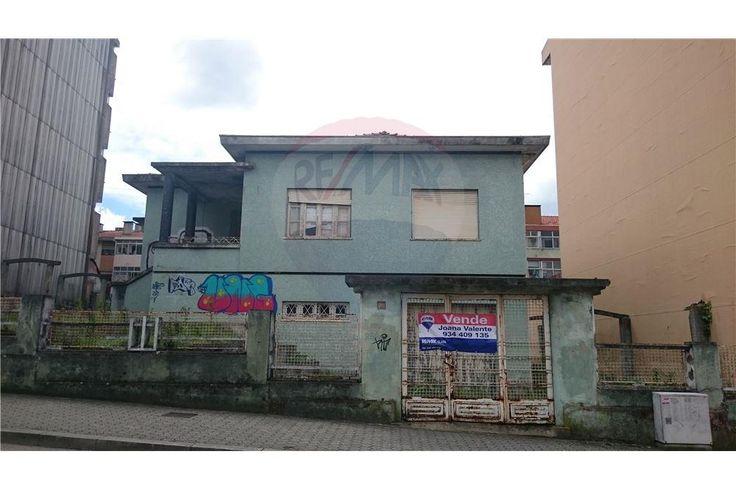 Moradia - T4 - Venda - Mafamude e Vilar do Paraíso, Vila Nova de Gaia - 122431122-21