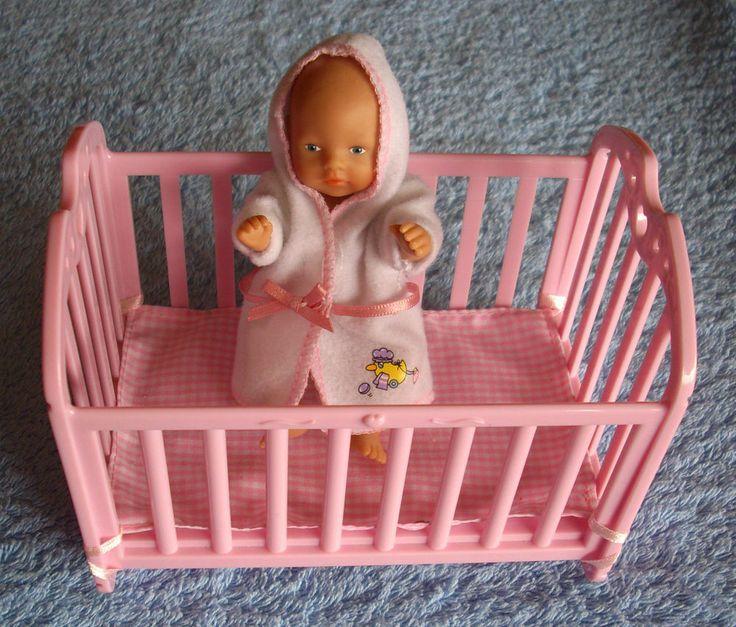 Niedliche Baby Puppe , Zapf Creation miniworld 11cm mit zubehör !