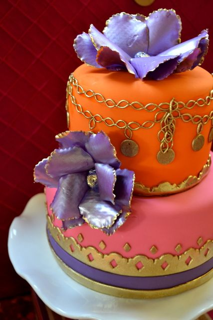 1000 images about wedding cakes indian bollywood on for Arabian cake decoration