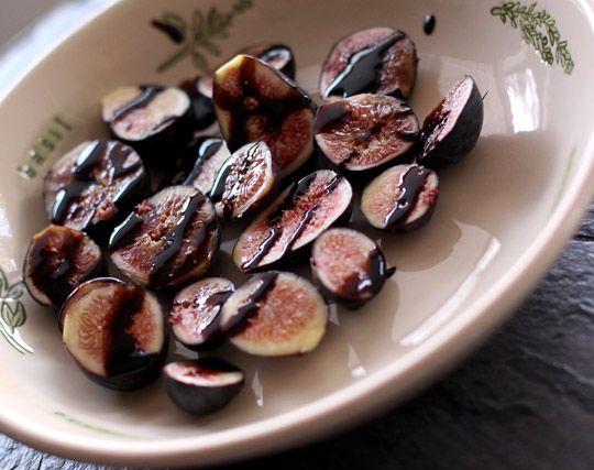 Figs with Balsamic Glaze by makeupandbeautyblog #Figs #Balsamic #makeupandbeautyblog