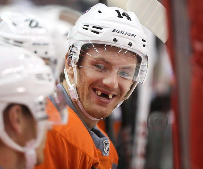 The Best Toothless Smiles In The Nhl Viraluck Hockey Players Youth Hockey Hockey Kids