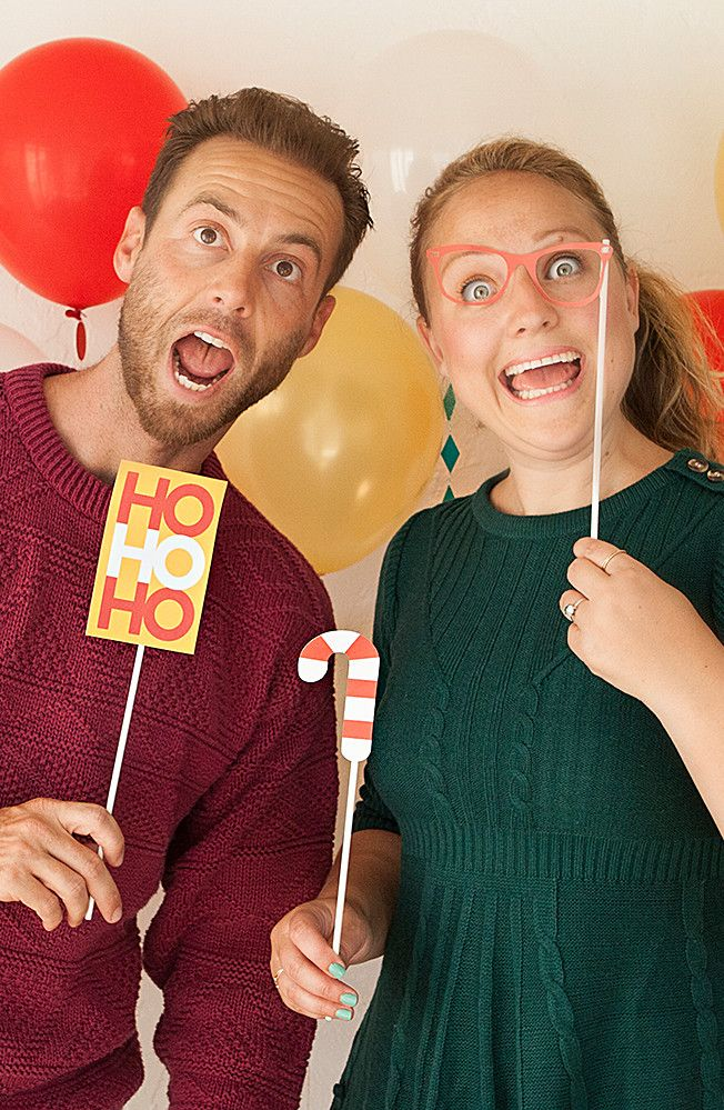 Have a blast at your Christmas party with a DIY photo booth! This is a fun party idea that will make the night memorable for all your guests. Plus, you can store this decoration away until next year rolls around. Click in to learn how to make your own.