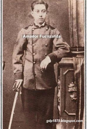 Amador Fuenzalida Lavín (1867-1948) A los 13 años ingresa al Ejército En el Batallón Chacabuco, luego pasa al Regimiento 5° de Línea ingresando como Corneta debido a su corta edad. En 1881, con el grado de Sargento participa en la Campaña de la Sierra. En 1882 es ascendido a Teniente