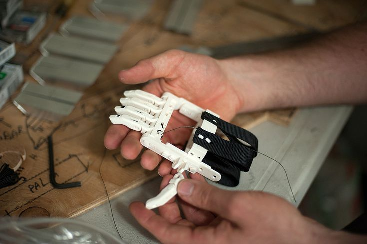 The newest version of the Robohand is made of snap-together parts. They built it with 3D printers and the materials will cost around $5. Isn't it amazing!