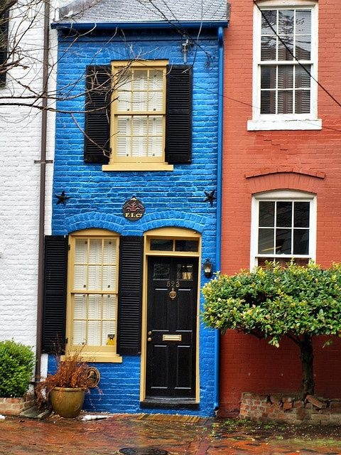 Old town Alexandria, Virginia -- Oooh! I remember walking by this little house! It used to be a different color. I like the blue!