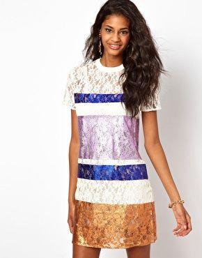 ASOS - Robe t-shirt en dentelle et tissu métallisé