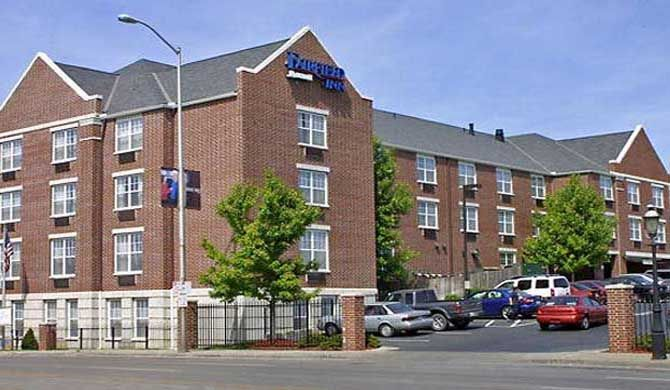 Fairfield Inn Kansas City Downtown/Union Hill The Fairfield Inn Kansas City Downtown/Union Hill will put you in the middle of all the fun and excitement the area has to offer.    Just minutes from Country Club Plaza, Crown Center & Westport, you... #Hotel  #Travel #Backpackers #Accommodation #Budget