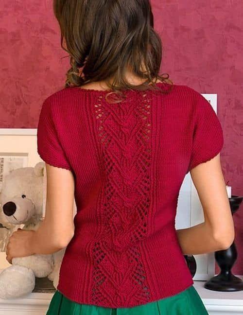 Пуловер спицами с центральным узором и короткими рукавами