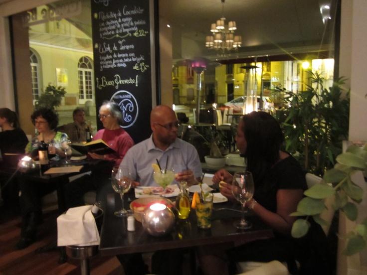 Noche de cena www.restaurantevinomio.com