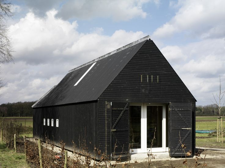 Best 25 black barn ideas on pinterest black house blue for Modern barn design